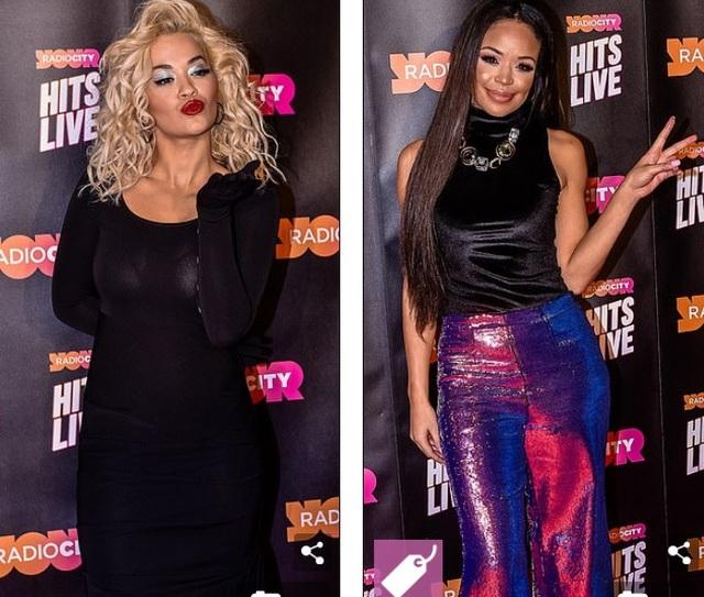 Rita Ora và MC Sarah-Jane Crawford nổi bật trong sự kiện âm nhạc tại Liverpool, Anh quốc ngày 23/11 vừa qua