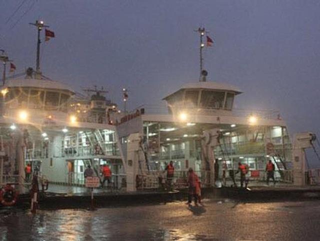 TPHCM tạm ngưng hoạt động các bến phà do bão số 9
