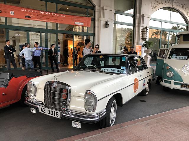 """""""Soi"""" chi tiết những chiếc xe cổ từ Hồng Kông tới Hà Nội - 7"""