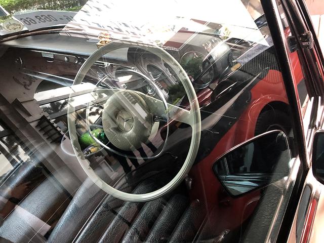 """""""Soi"""" chi tiết những chiếc xe cổ từ Hồng Kông tới Hà Nội - 9"""