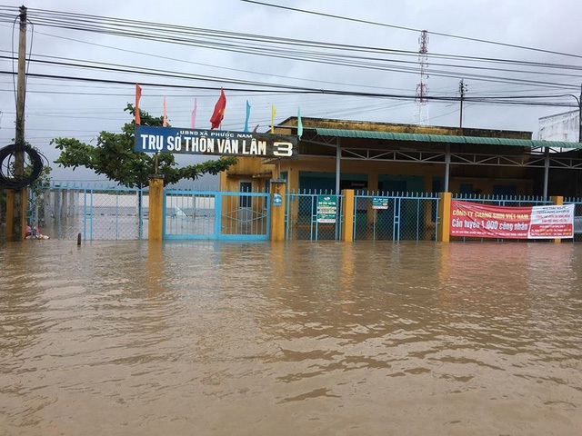 """Ninh Thuận mênh mông """"biển nước"""", mưa vẫn chưa ngừng - 5"""