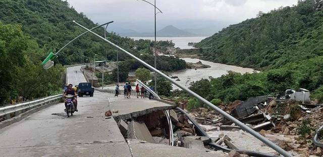 Tuyến đường Bình Tiên- Vĩnh Hy bị sạt lở