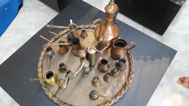 Rất nhiều dụng cụ dùng để chế biến, thưởng thức cà phê từ xa xưa được giới thiệu