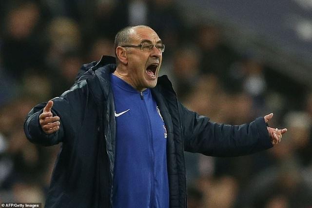Sarri bất lực nhìn học trò bị Tottenham nghiền nát