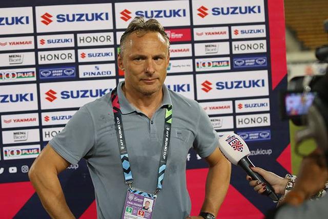 HLV Antoine Hey cho rằng toàn đội Myanmar đã chơi tốt