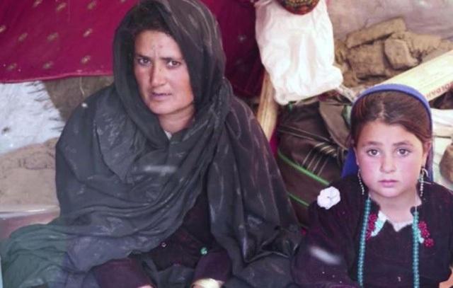 Mamareen đã bán con gái 6 tuổi của mình vì cuộc sống mưu sinh