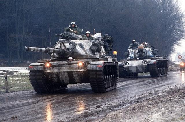 Xe tăng được triển khai tập trận Able Archer 83. Ảnh: Pinterest