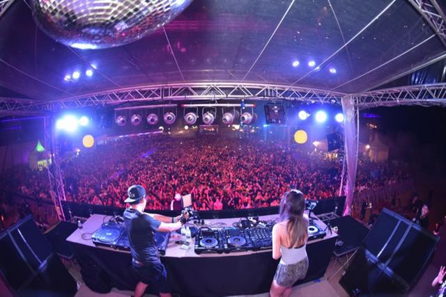 Chào tạm biệt năm 2018 với nhịp điệu sôi động, âm nhạc đỉnh cao từ những DJs tên tuổi trong nước và quốc tế, bữa tiệc Siloso sẽ mang đến những trải nghiệm khó quên cho du khách