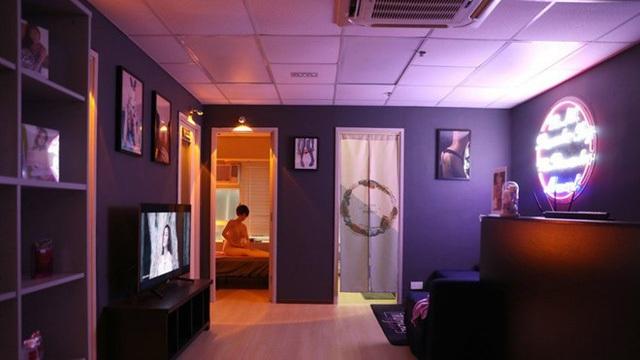 Bên trong nhà nghỉ dùng búp bê tình dục đầu tiên ở Hong Kong