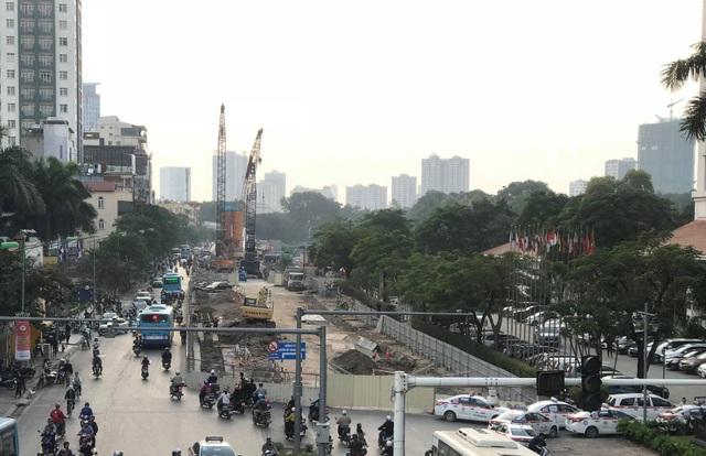 Rà bom mìn, di dời 11 cây xanh phục vụ tuyến metro Hà Nội - 1