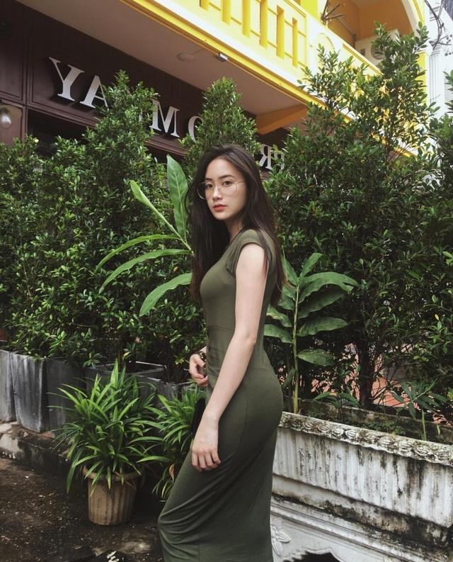 Hot girl gốc Việt tài năng đẹp rạng ngời trong lễ tốt nghiệp tại Anh - 8