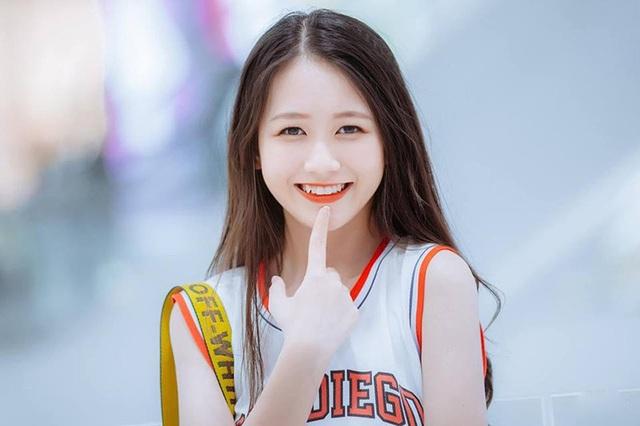 Nữ sinh Nam Định sở hữu nụ cười răng khểnh rất đáng yêu - 2