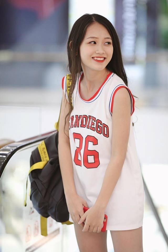 Nữ sinh Nam Định sở hữu nụ cười răng khểnh rất đáng yêu - 1