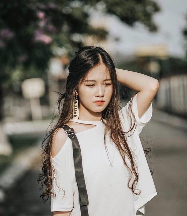 Nữ sinh Nam Định sở hữu nụ cười răng khểnh rất đáng yêu - 10