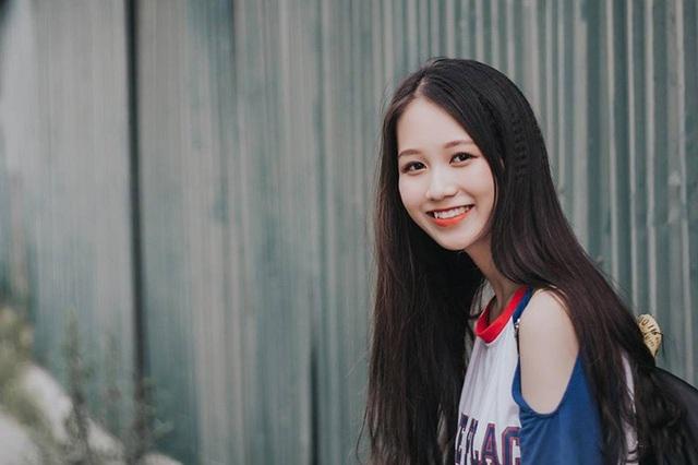 Nữ sinh Nam Định sở hữu nụ cười răng khểnh rất đáng yêu - 6
