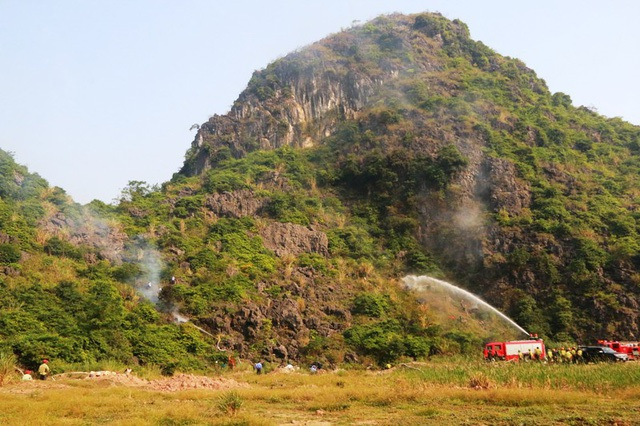 Toàn cảnh vùng núi rừng trong di sản Tràng An, nơi diễn tập phòng cháy chữa cháy rừng.
