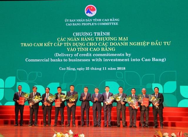 Hơn 700 tỷ đồng được Agribank cam kết đầu tư cho Cao Bằng - 1