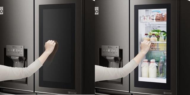 Tủ lạnh LG Instaview Door-in-Door giúp lưu trữ rau củ tươi ngon đến hàng tuần.