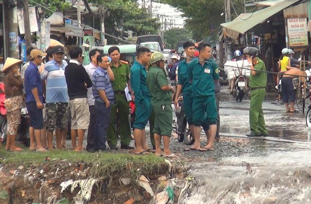 Chính quyền địa phương đã cắt cử lực lượng đứng quanh khu vực này để nhắc nhở người dân