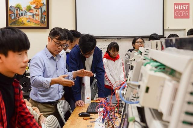 Các hoạt động trải nghiệm của học sinh tại trường ĐH Bách khoa HN