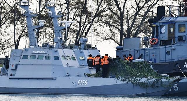 Các tàu của Ukraine bị bắt giữ tại cảng Kerch. (Ảnh: Sputnik)