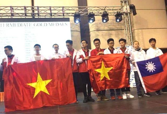 Việt Nam tiếp tục gây ấn tượng ở kỳ thi Vô địch các đội tuyển Toán thế giới - 1