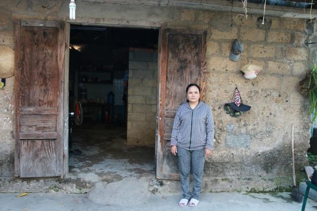 Căn nhà cũ kĩ là nơi mà chị Hiền cùng 5 thành viên trong gia đình sinh sống