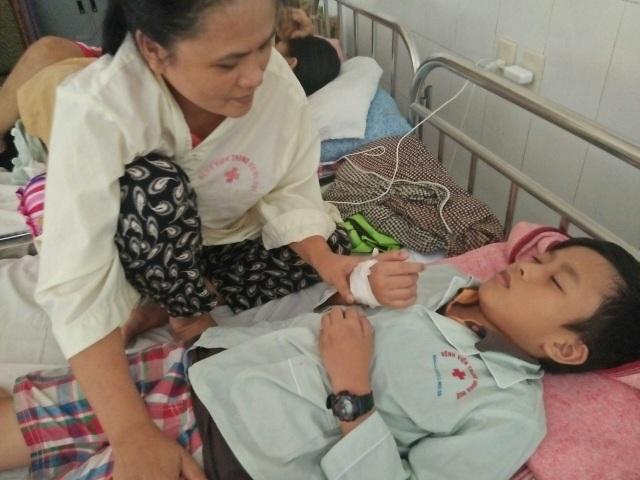 Em Tài hiện tại đang phải chuyền máu tại Bệnh viện Trung ương Huế