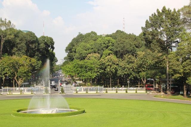 Công viên 30 tháng 4 trước Hội trường Thống Nhất là lá phổi xanh giữa trung tâm thành phố