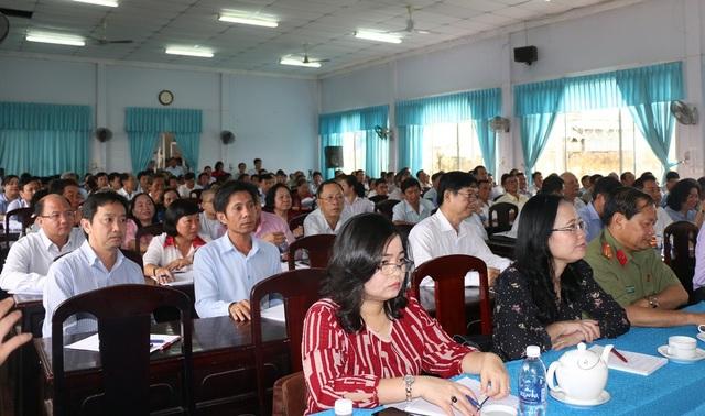 Quang cảnh buổi tiếp xúc cử tri ngày 27/11 tại Cần Thơ