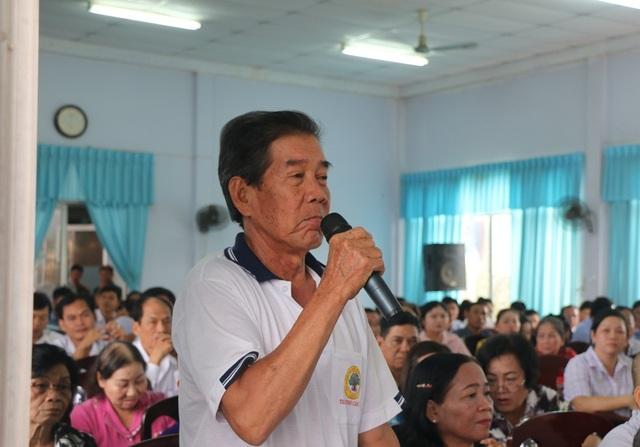Cử tri phường Lê Bình nêu ý kiến với Chủ tịch QH