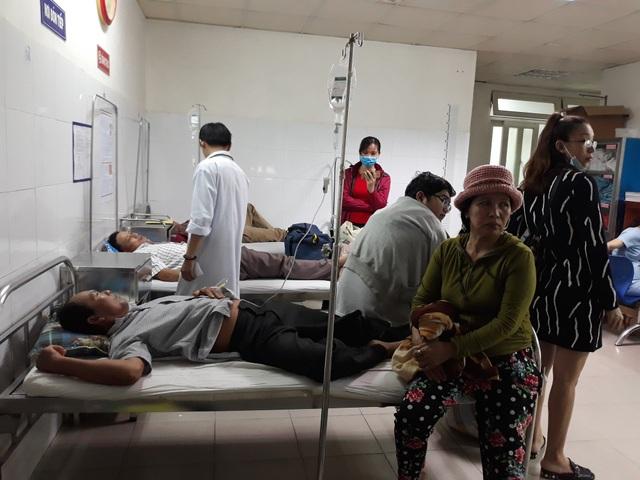 Bệnh viện phải kê thêm giường ngoài hành lang