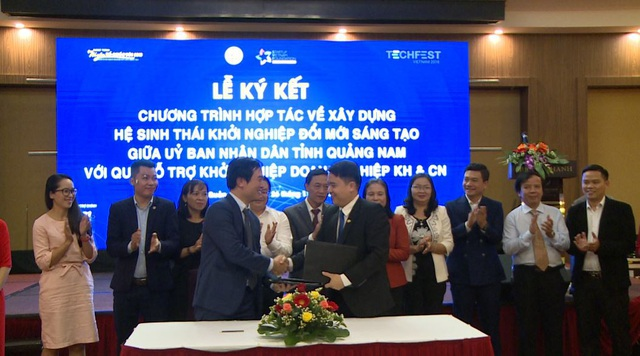Tại Hội thảo đã diễn ra Lễ ký kết Chương trình Hợp tác về xây dựng Hệ sinh thái khởi nghiệp ĐMST giữa UBND tỉnh Quảng Nam với Quỹ Hỗ trợ khởi nghiệp doanh nghiệp KH&CN.