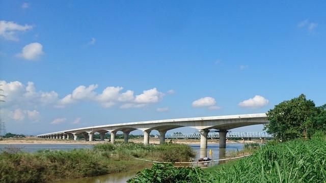 Cầu Kỳ Lam sẽ tiến hành sửa chữa khiếm khuyết mặt đường bê tông nhựa cầu