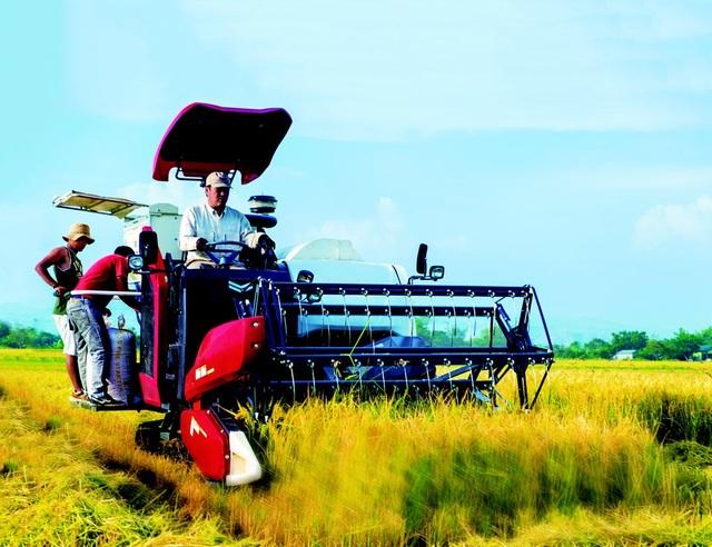 Máy gặt vô lăng mang thương hiệu Nhật đã được sử dụng ở Việt Nam - 1