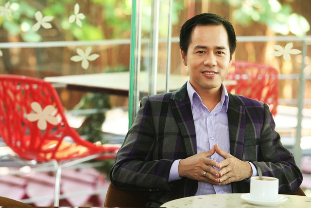 PGS.TS Huỳnh Văn Sơn, Phó Chủ tịch Hội Tâm lý học xã hội Việt Nam, Phó Hiệu trưởng trường Đại học Sư phạm thành phố Hồ Chí Minh.