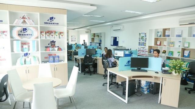 Trung tâm Đào tạo trực tuyến trường Đại học Mở Thành phố Hồ Chí Minh là một trong những đơn vị đi đầu về chương trình đào tạo trực tuyến tại Việt Nam.