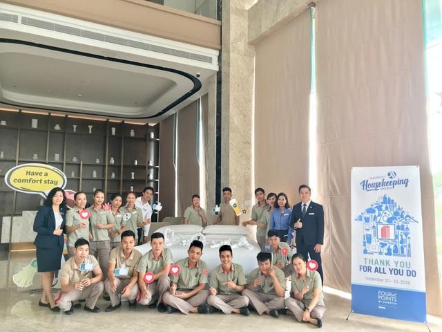 Các nhân viên Four Points by Sheraton Đà Nẵng sở hữu phong cách làm việc chuyên nghiệp để sẵn sàng mang đến cho khách hàng trải nghiệm dịch vụ tốt nhất