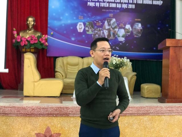 TS. Trần Văn Tính