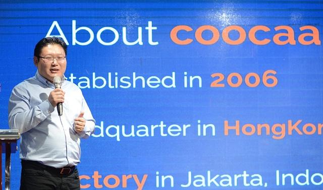 Đại diện hãng giới thiệu về các mẫu TV mới sắp bán tại Việt Nam
