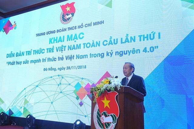 Phó Thủ tướng Trương Hòa Bình biểu dương các trí thức trẻ Việt Nam trong và ngoài nước. Ông đánh giá cao sáng kiến cưa TƯ Đoàn thực hiện Diễn đàn Trí thức trẻ Việt Nam toàn cầu.