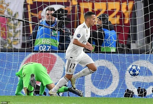 Lucas Vazquez nâng tỷ số lên 2-0 ở phút 59