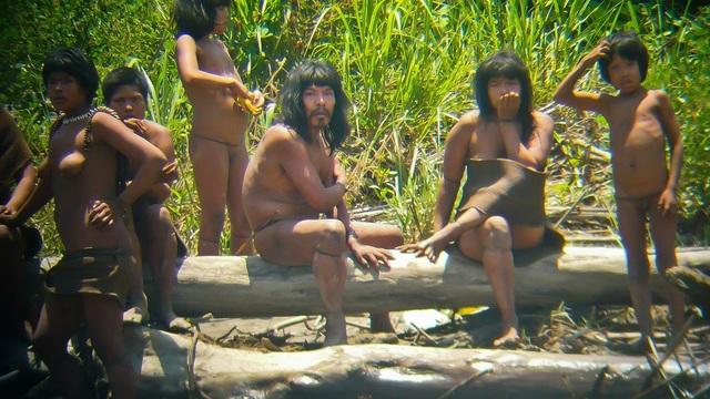 Các thành viên của bộ tộc Mashco Piro (Ảnh: Reuters)