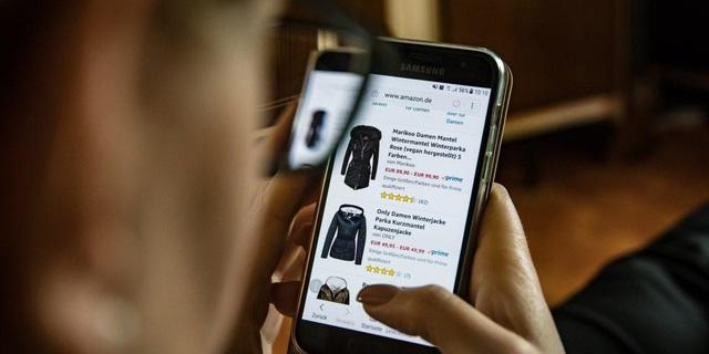 Xu thế mua hàng online ảnh hưởng nhiều đến ngày Black Friday và đợt mua sắm cuối năm