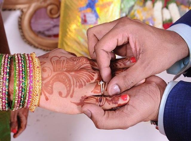 Tục lệ đám cưới kỳ lạ của Ấn Độ, du khách muốn tham dự phải trả phí - 1