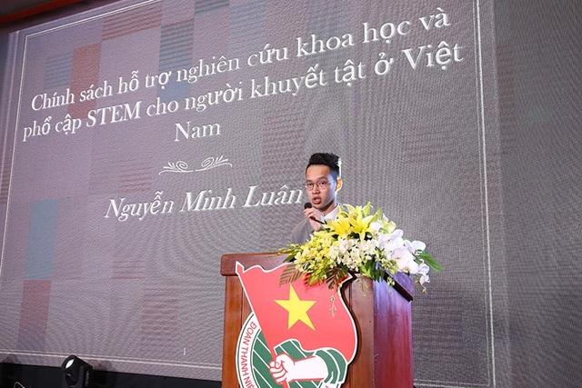 Từng gặp tai nạn chấn thương não, anh Nguyễn Minh Luân lấy cảm hứng từ câu chuyện của chính mình để nghiên cứu chủ đề giáo dục STEM cho người khuyết tật