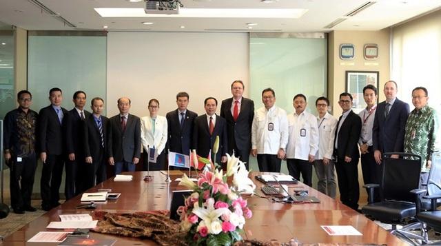 Đoàn công tác PVN và PV GAS cùng các lãnh đạo của POT