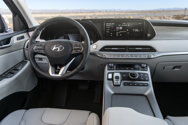 Hyundai Palisade cạnh tranh với Ford Explorer bằng giá bán - 27