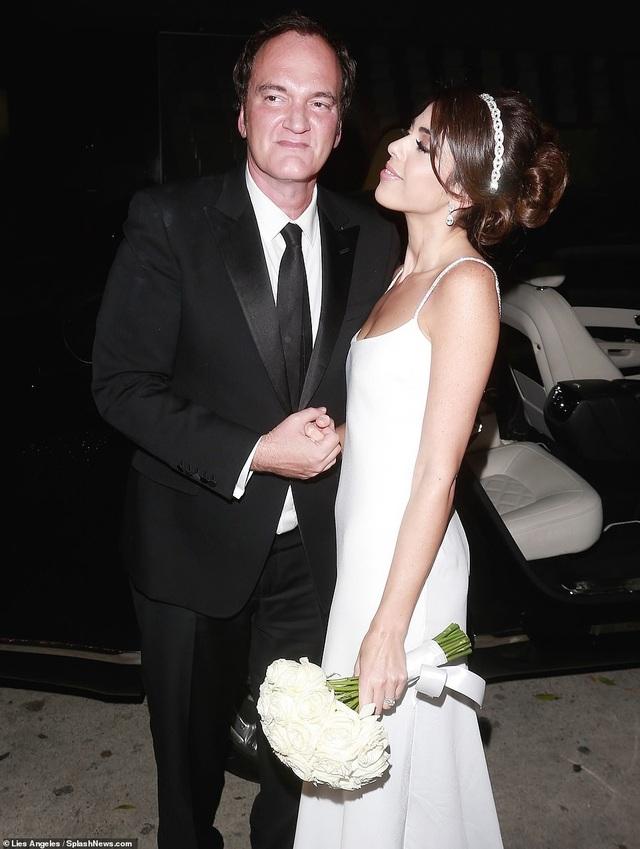 Đạo diễn quái kiệt Quentin Tarantino cưới vợ lần đầu ở tuổi 55 - 17