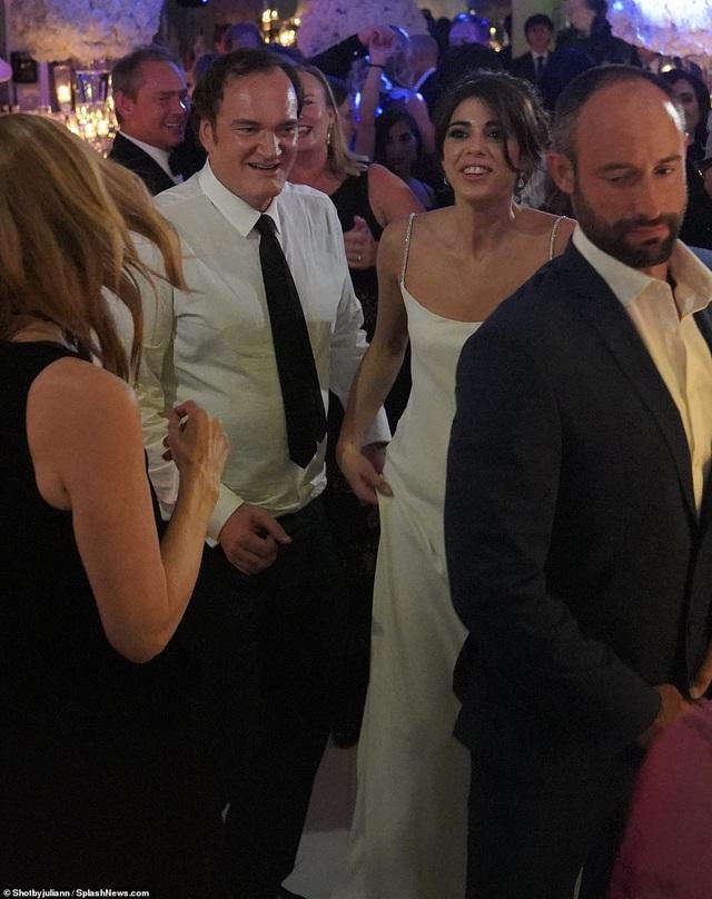 Đạo diễn quái kiệt Quentin Tarantino cưới vợ lần đầu ở tuổi 55 - 10
